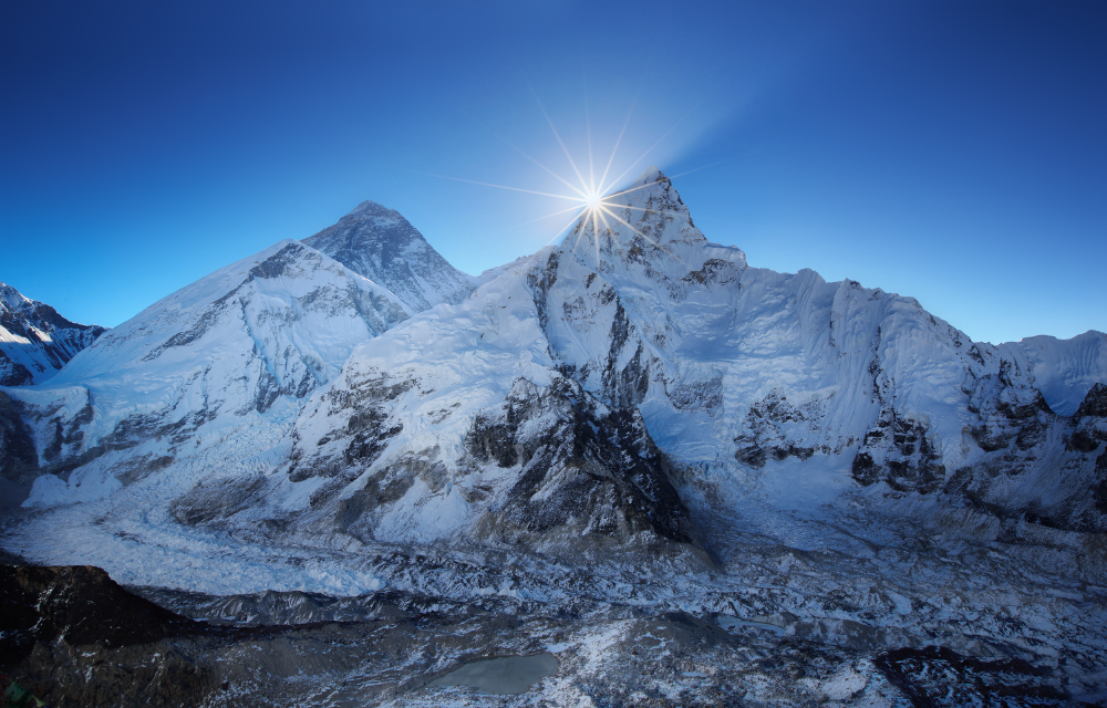 Everest_dawn_1000.jpg