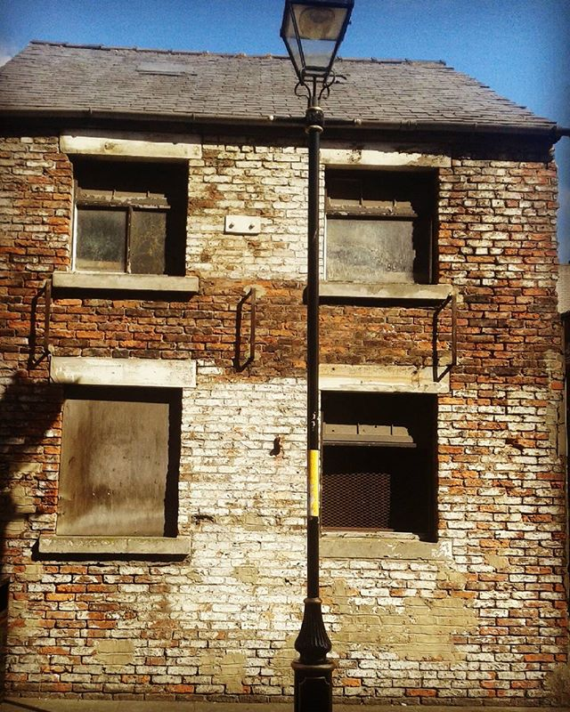 Great old building in Stockton. #instadaily #instagood #building #brickhouse #vintage #photography #photooftheday #stockton #abandoned #derelict #creative
