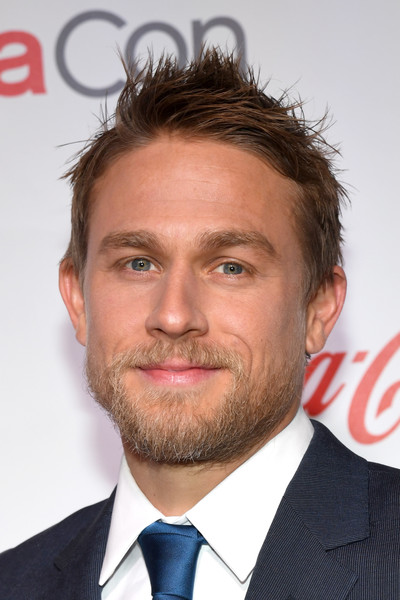 Charlie+Hunnam+CinemaCon+2017+CinemaCon+Screen+H7A613S8Yewl.jpg