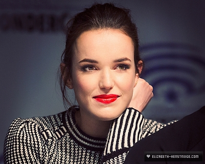 WonderCon-Day-2-elizabeth-henstridge-40407733-400-320.jpg