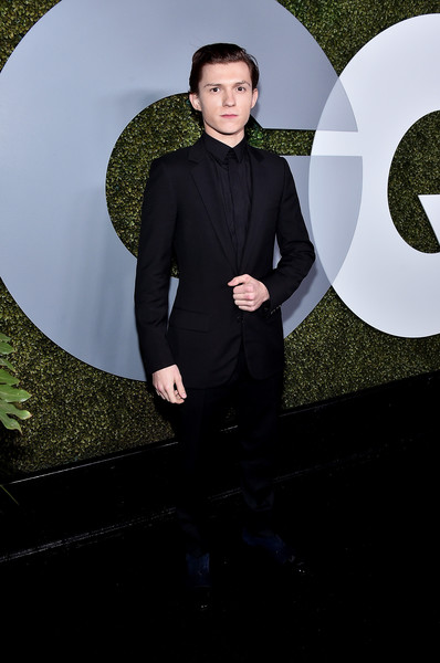 Tom+Holland+2016+GQ+Men+Year+Party+Arrivals+54qWNgl5g5sl.jpg