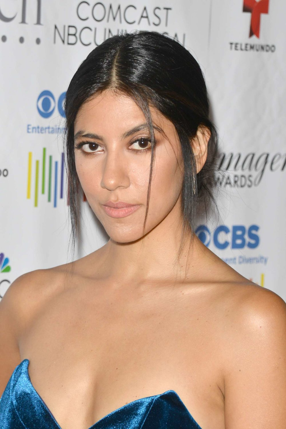Stephanie-Beatriz--31st-Annual-Imagen-Awards--04.jpg