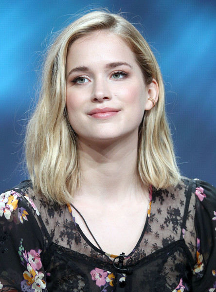 Elizabeth+Lail+Summer+2018+TCA+Press+Tour+jcEaiuzjUzol.jpg