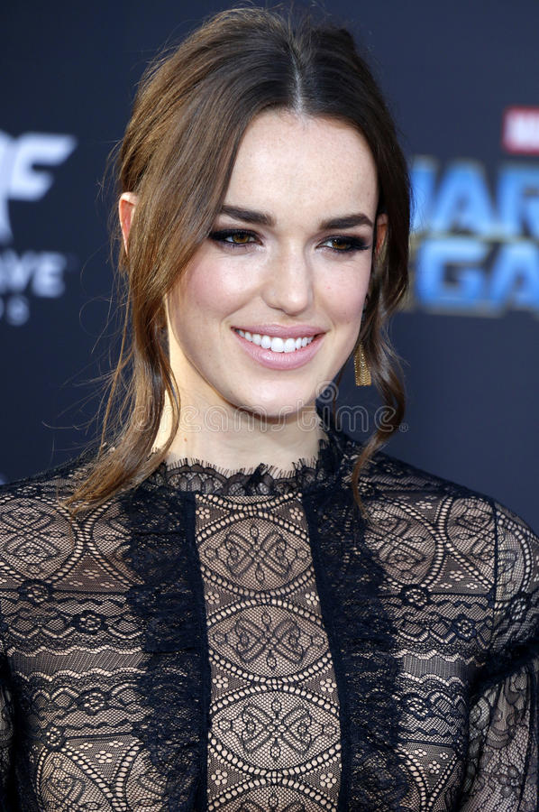 elizabeth-henstridge-los-angeles-premiere-guardians-galaxy-vol-held-dolby-theatre-hollywood-usa-90997165.jpg