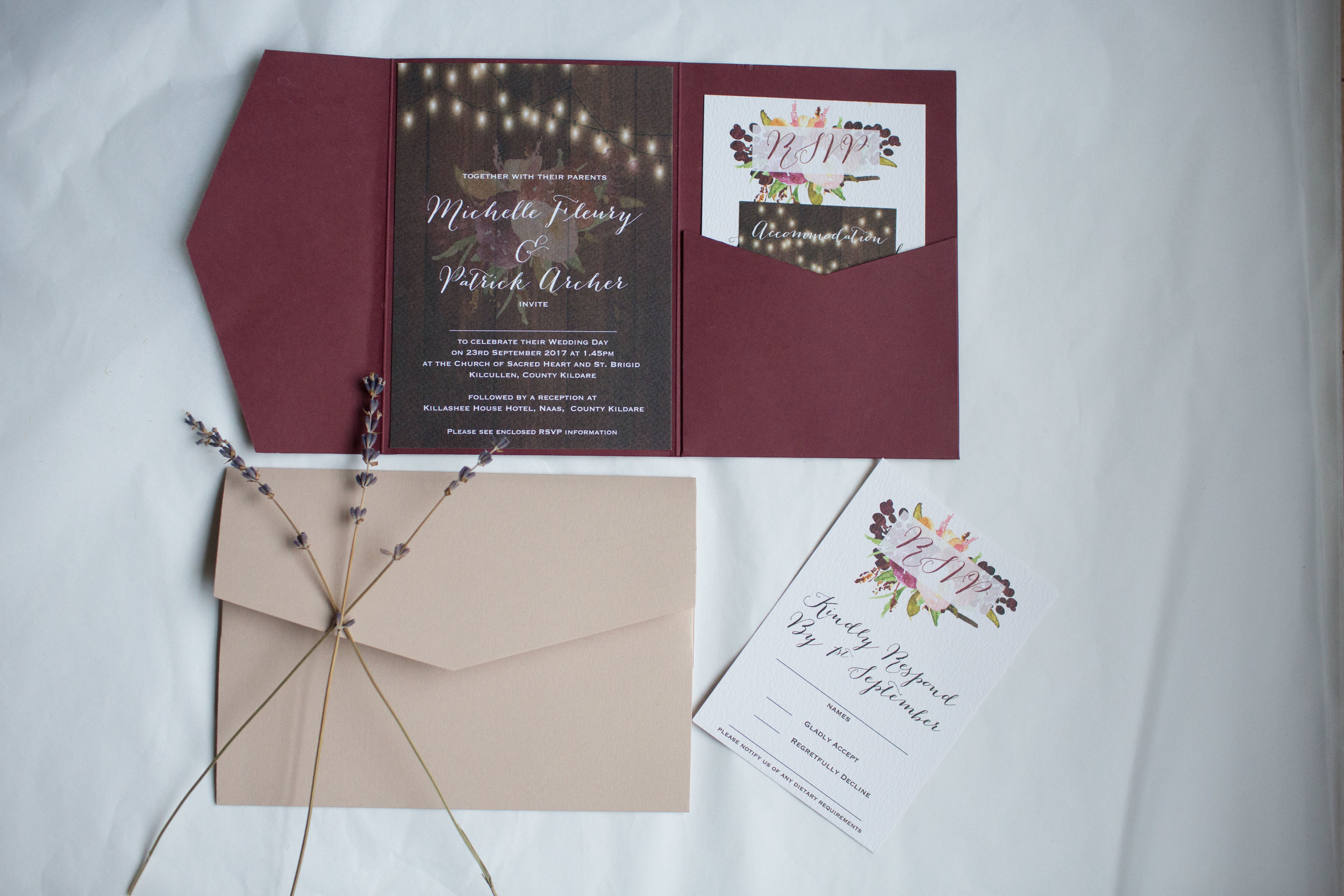 Rustic barn themed wedding invitations little bow print wol awards 9g monicamarmolfo Image collections