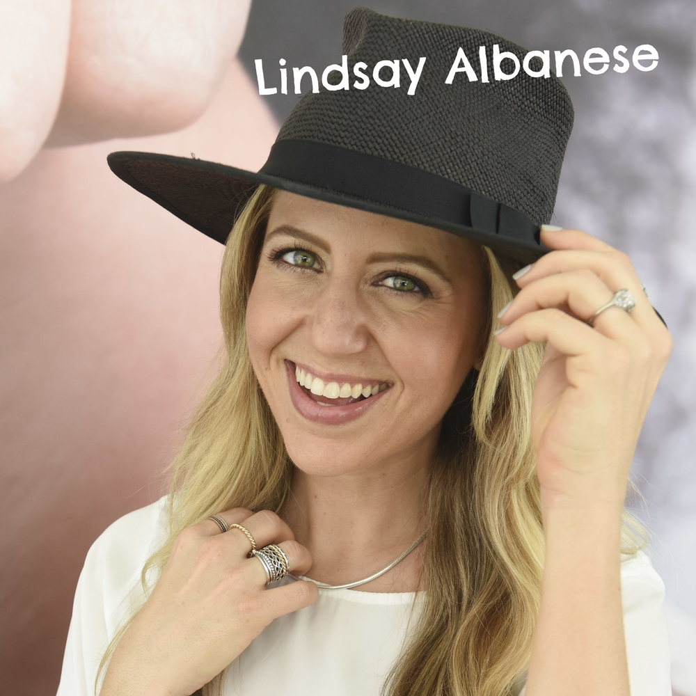 Lindsay Albanses