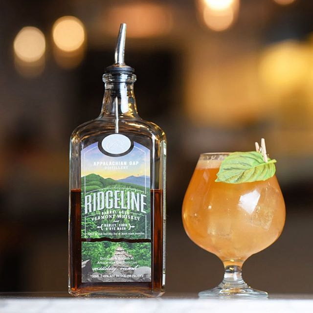 Ridgeline Whiskey Boulevardier  2 oz @appgapdistill Ridgeline Whiskey 1 oz Campari 1 oz Carpano Antica (or any sweet vermouth of preference)  Combine all ingredients into a shaker, stir, and strain over ice or straight up. Garnish with basil.  #CocktailWalk #Vermont #BTV #CraftCocktails #Whiskey #rootedinvermont