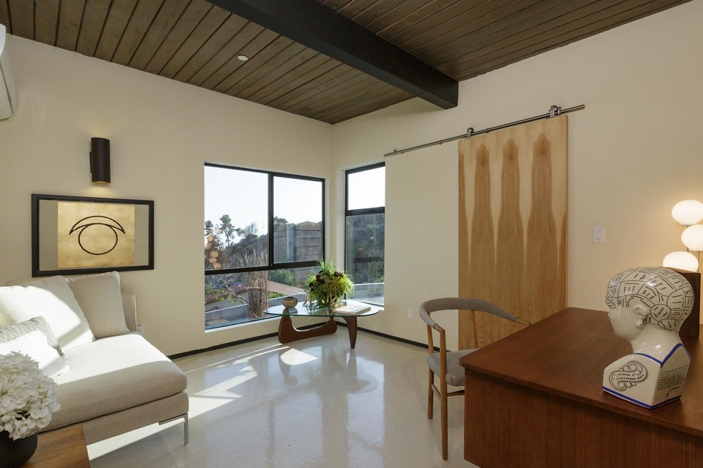2587 Cascadia Dr Glendale CA-large-032-4-Office-1500x1000-72dpi.jpg