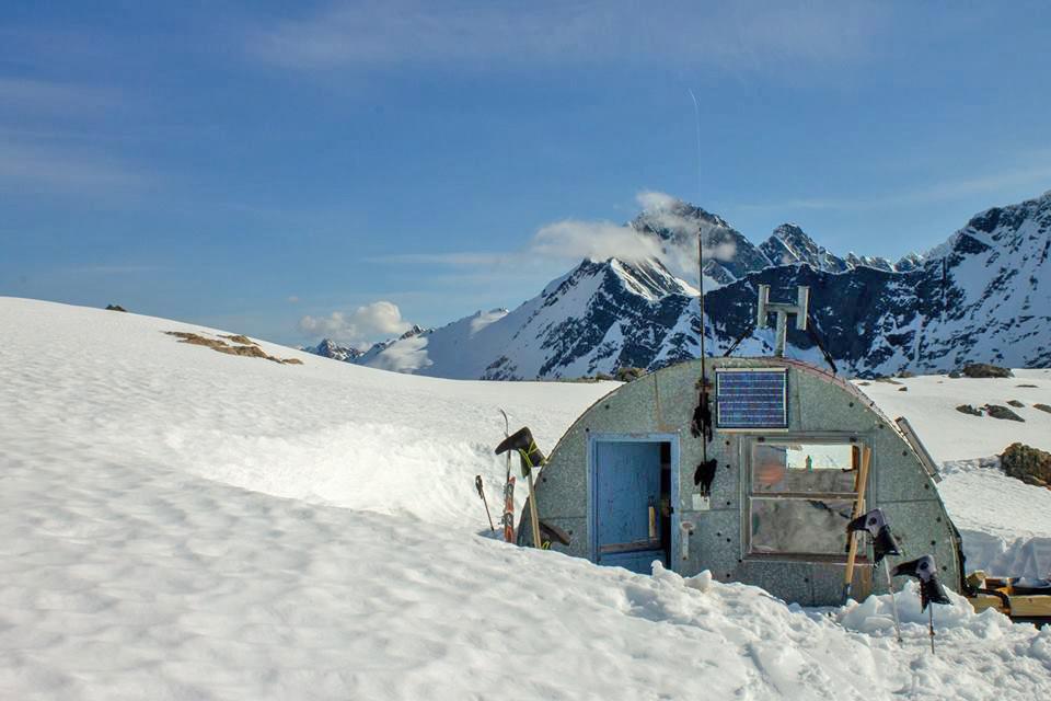 Barron Saddle Hut.