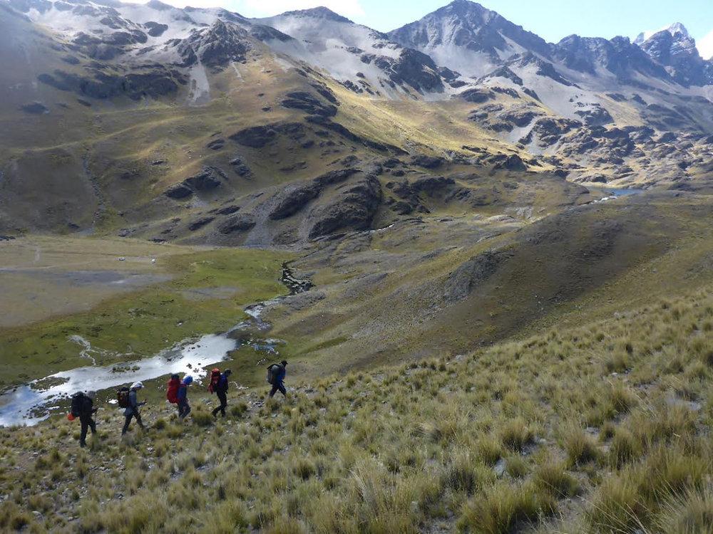Trekking to Condoriri.