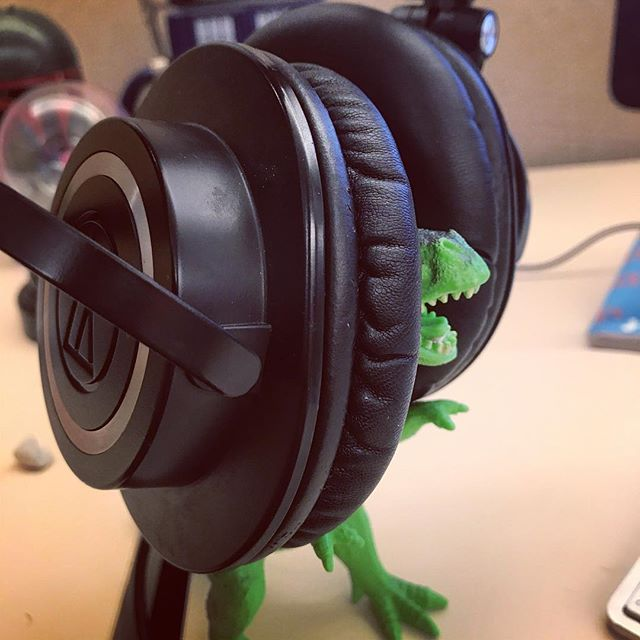 @theodore_ruxin , I told you those #headphones where to big for you.