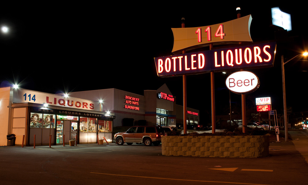 114 Liquors exterior