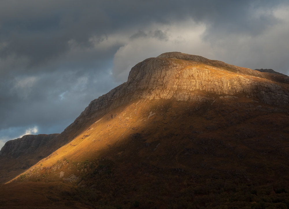 Light sweeps across Slioch (I think?)