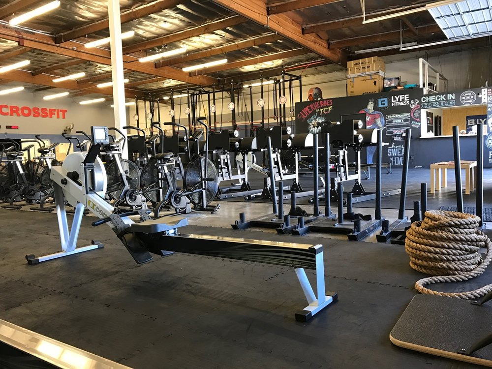 Team crossfit in woodland hills lyfe athletics
