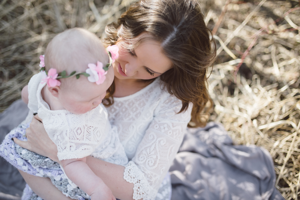sweet picture of mom and daughter, Jessica Leanne Photography