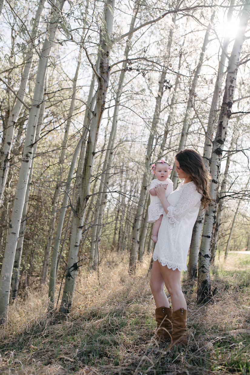 mom and baby, photography for families in st. albert and edmonton
