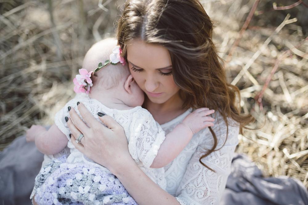 little hugs, Jessica Leanne Photography, St. Albert photographer