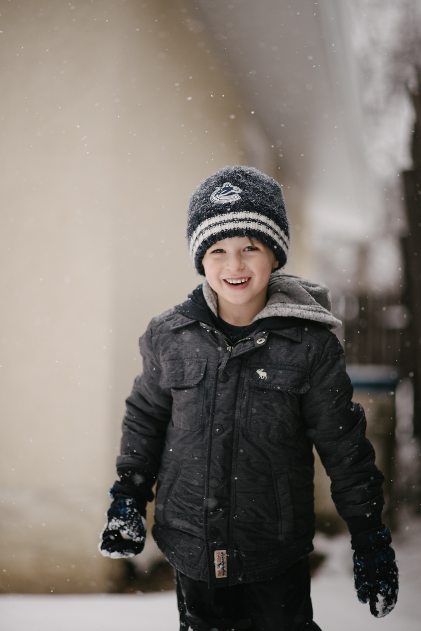 snow fall, lifestyle photography, st. albert