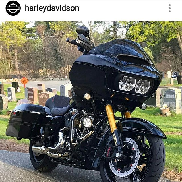 Check out @raceglide Super BadAss SPF equipped #bagger being BadAss on  Harley's Insta.  #everythingimakeiscustom , #livefreeordie