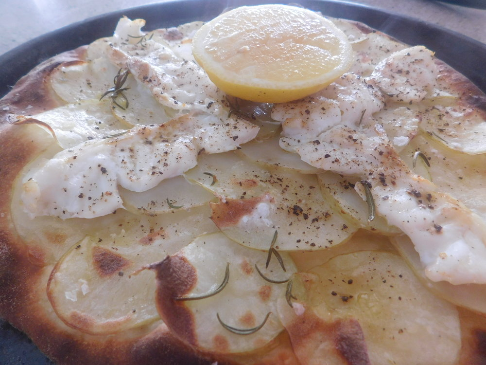 fish pizza 021.JPG