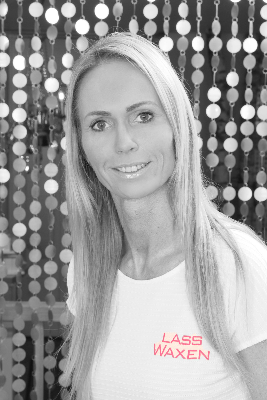 Ramona W., Kosmetikerin