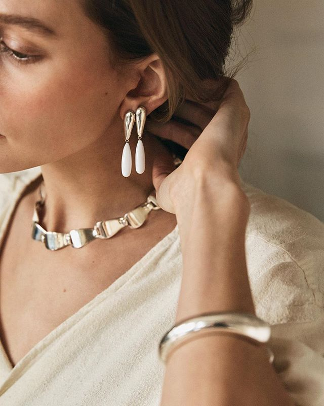 Beautiful jewelry can change your entire mood, something @winden's gorgeous founder Becca Mapes is extremely good at doing. We chat inspiration, how a meticulous personality is a jewelry designer's must, and ethical, considered practices in our latest #profyle. Click the link in bio to read more.