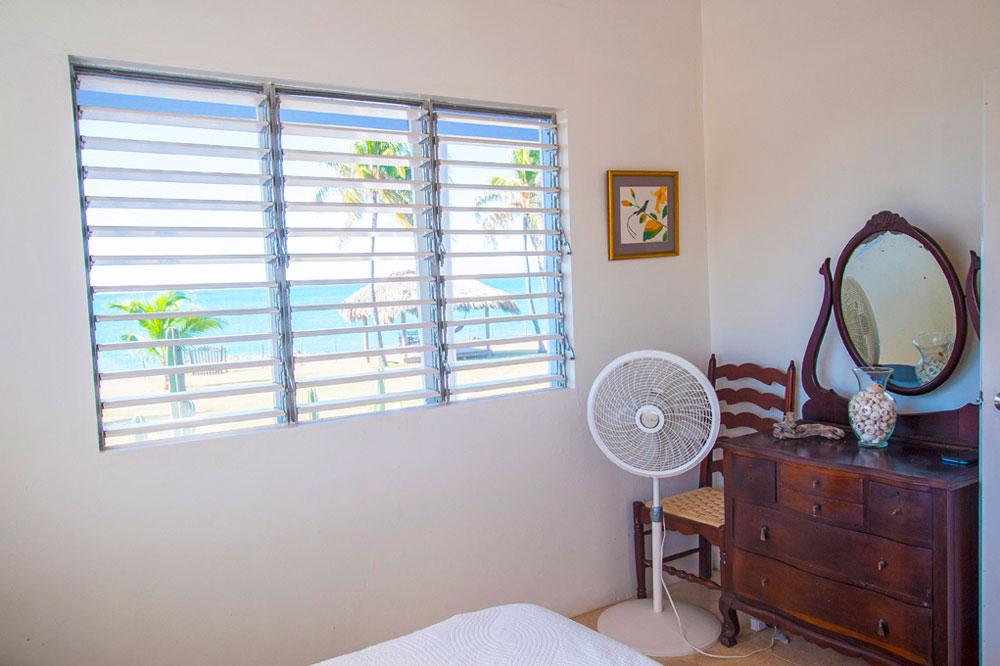 Driftwood_Treasure_Beach_Jamaica_15.jpg