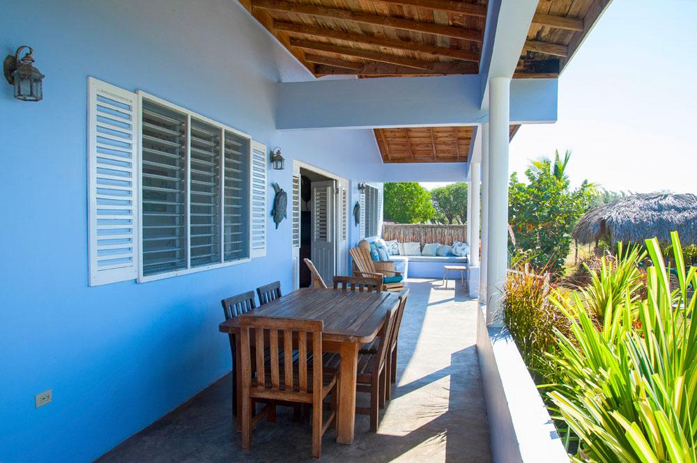 Driftwood_Treasure_Beach_Jamaica_19a.jpg