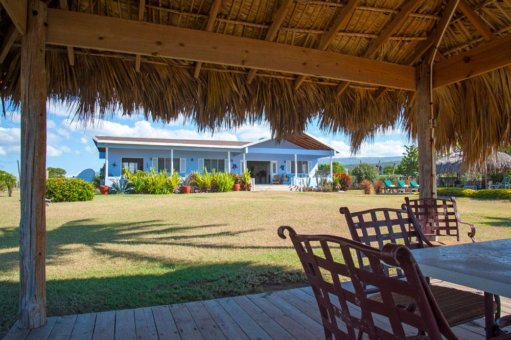Driftwood_Treasure_Beach_Jamaica_31.jpg