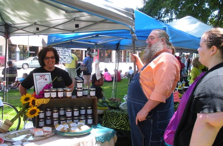 Farmer's Market with Rikki Skopp.jpg