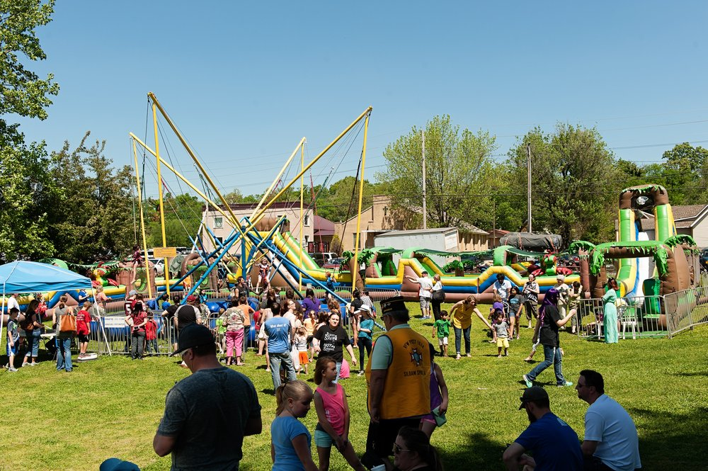 Kids' activities at the 2016 Dogwood Festival. Photo: Siloam Springs Chamber of Commerce
