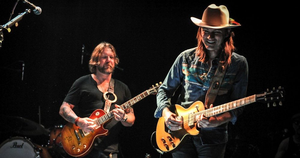 duane betts performing with devon allman.
