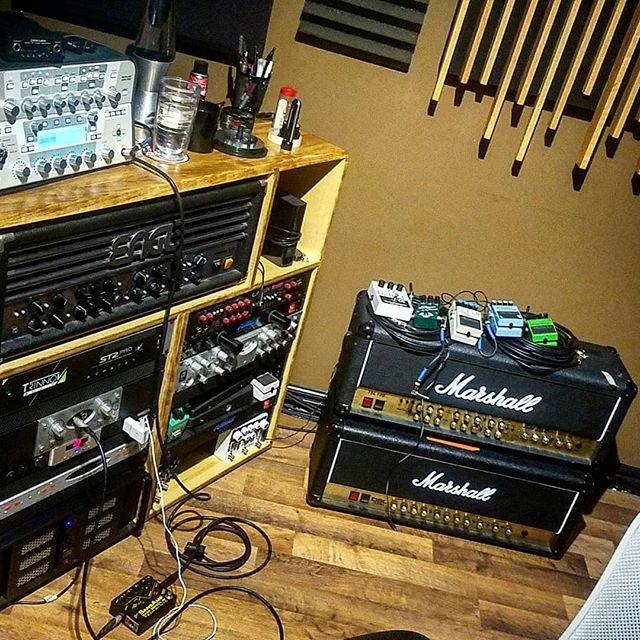 Amps to 11 Today!  #guitaramps #marshallamps #recordingstudio #inthestudio #kush #guitarpedals #kemperprofiler #ampsto11 #studioporn #rockthefuckout #mixing #mastering #producer #nicknativo