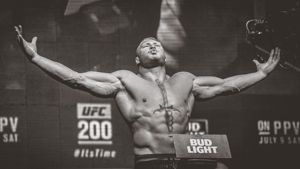 UFC 200 Las Vegas Weigh Ins 20160708 photo MMAnytt.se Vince Cachero (1 of 1).jpg