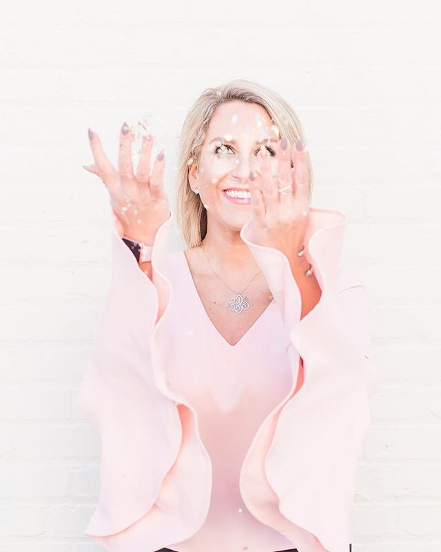 Cue the confetti! 🎉 I spent last Friday with the lovely @remybthompson and boy did she capture some gorgeous headshots and photos for my website! Can't wait to share more with y'all soon!! #magnoliamediapr #magnoliamedia