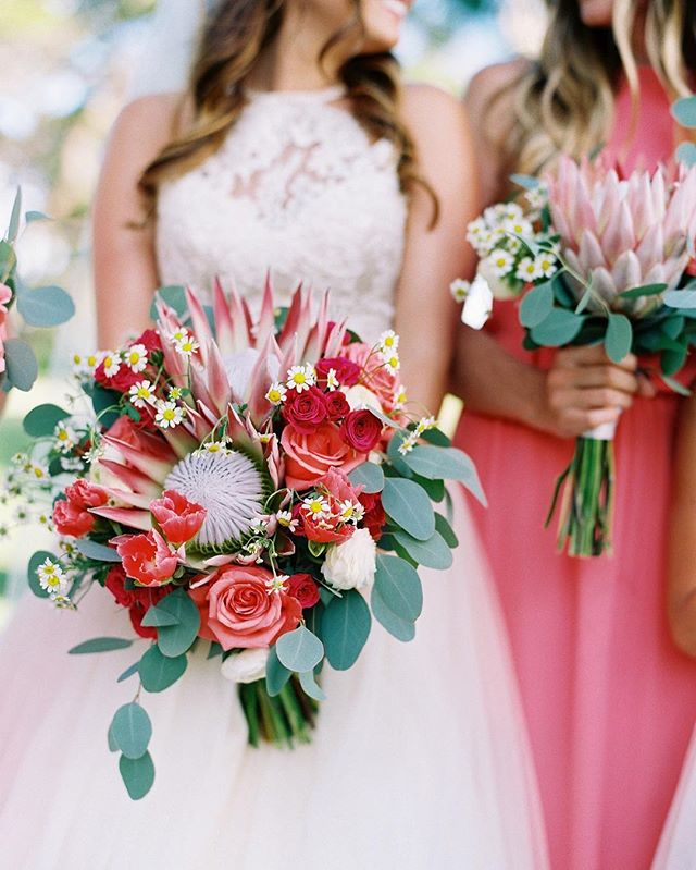 Three cheers to @petals_maui for their feature on @martha_weddings for their article, Heat Resistant Wedding Bouquets Perfect for Summer. 📷: @wendylaurel #magnoliamediapr