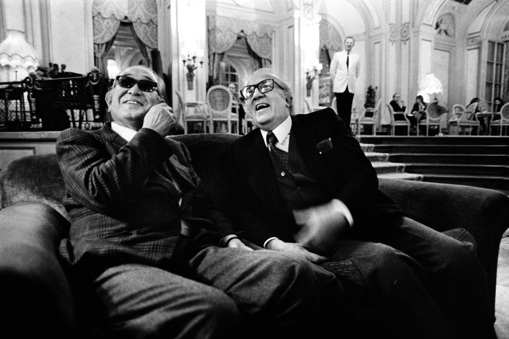 awesomepeoplehangingouttogether :     Akira Kurosawa and Federico Fellini