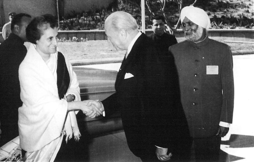 Raúl Prebisch e Indira Gandhi, Primera ministra de la India (1966-1977)
