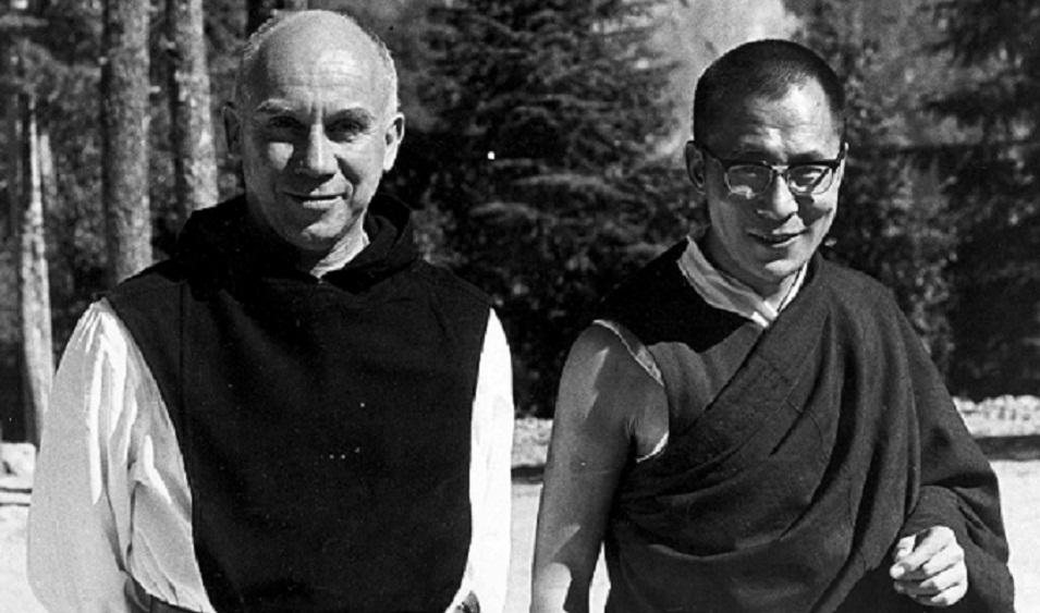 Thomas Merton (monje católico-trapense) y un joven Tenzin Gyatso XIV Dalai Lama