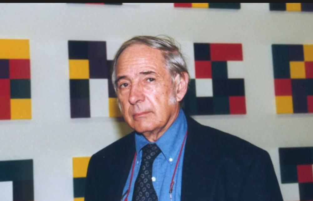 John R. Searle es un filósofo estadounidense. Sus áreas de interés han sido la filosofía del lenguaje, la filosofía social, ontología, epistemología y la filosofía de la mente. Actualmente es Slusser Professor of Philosophy en la Universidad de California, Berkeley.