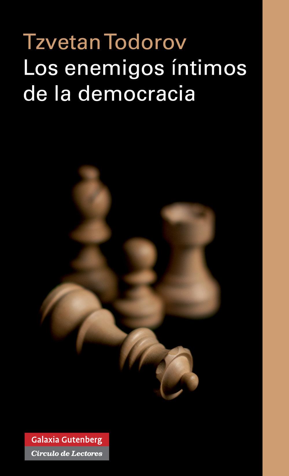 El autor identifica tres enemigos: populismo, mesianismo y el ultraliberlalimo