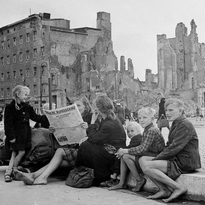 Los civiles quedaron expuestos a los abusos de las fuerzas que ocuparon Alemania. Hubo millones de violaciones de mujeres adultas, niñas y ancianas.