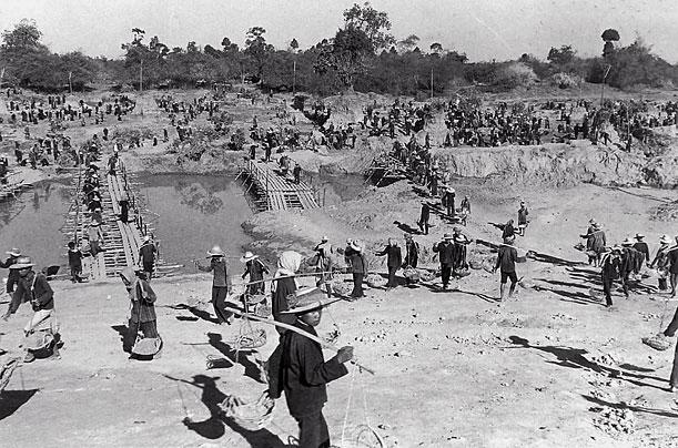 Camboyanos eran sometidos a trabajos extenuantes
