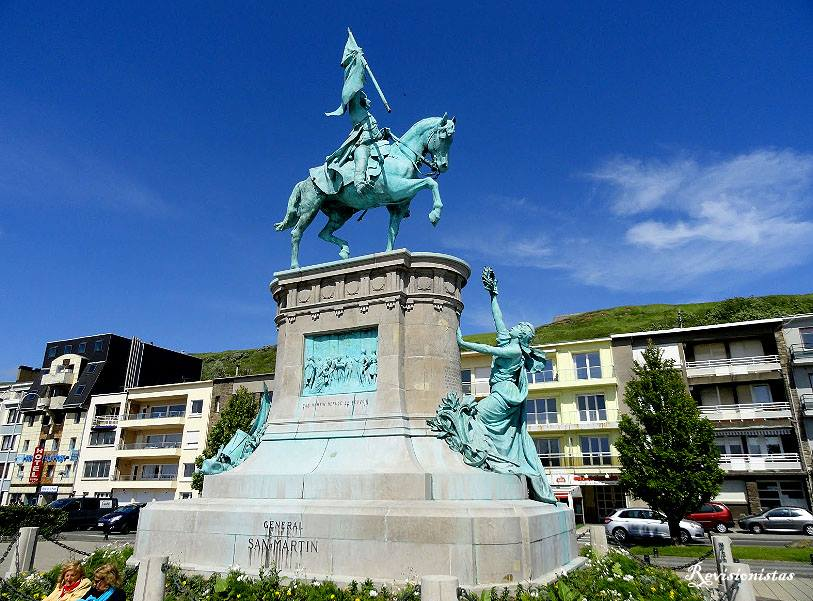 Estatua de San Martín en Boulogne