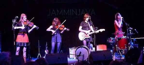 Parkington-Sisters-live-top