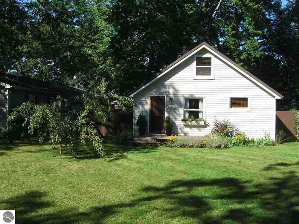 1206 Clinch Street, Traverse City house sold by Oltersdorf Realty LLC Realtors (1).JPG
