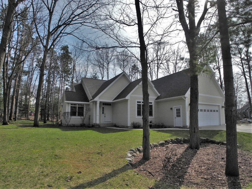 3655 Spring Leaf Drive, Traverse City Home for sale by Oltersdorf Realty LLC (1).JPG