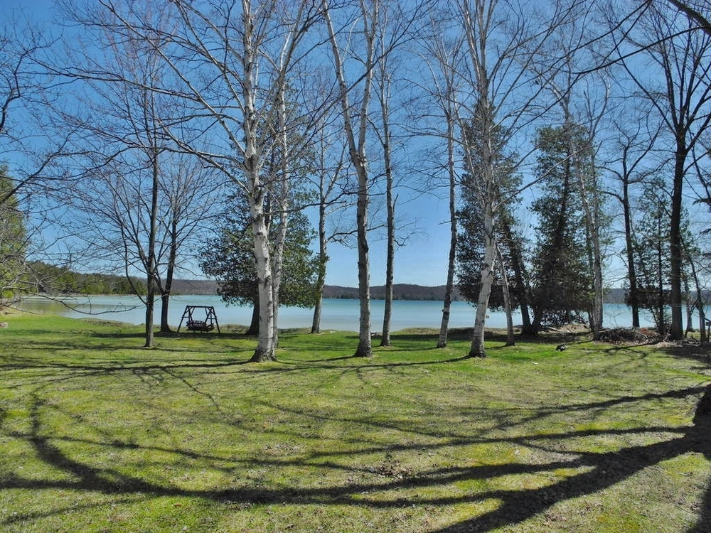 5447 S Maple City Road, Maple City, MI – Ranch with 108' on Lime Lake (2).JPG