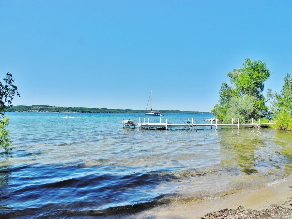 11040 S Shore Drive, Suttons Bay, MI – Historic Home & 141' of Sandy Frontage on Suttons Bay For sale by Oltersdorf Realty LLC (2).JPG