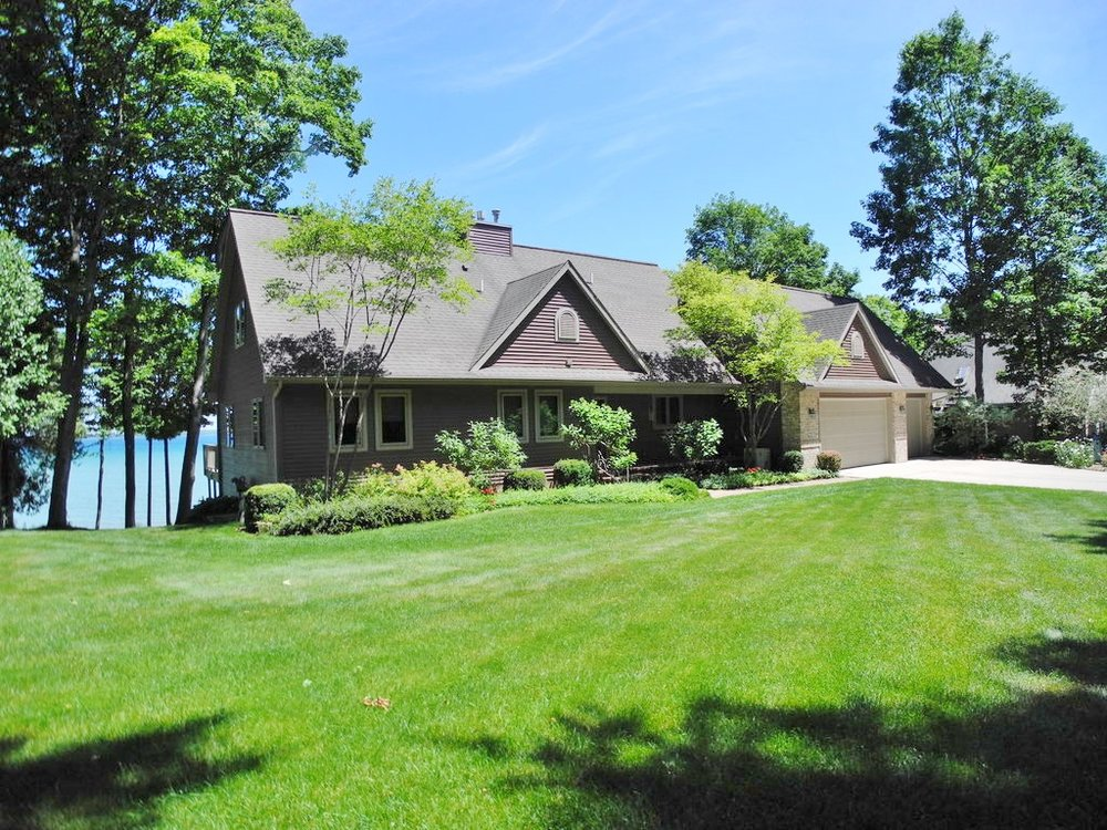 1831 S Knorr Drive, Suttons Bay, watefront home - SOLD by Oltersdorf Realty LLC (2).JPG